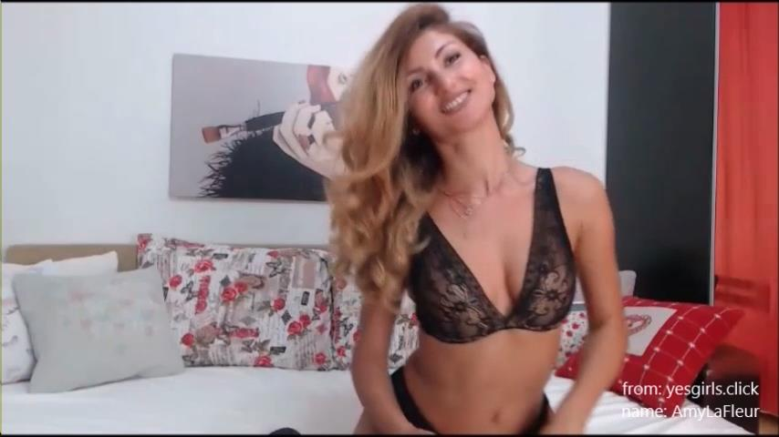 AmyLaFleur recorded live cam chat